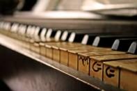 pianotoetsen-met-hulp_21218190
